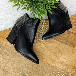 Aldo Black Leather Zipper Ankle Boots